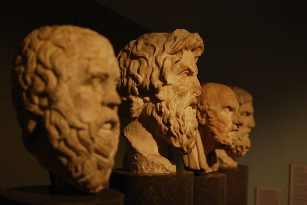 Les grands courts philosophiques et l'histoire des grands philosophes.